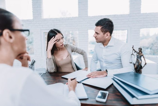 5 Reasons Why You Should Hire a Divorce Attorney