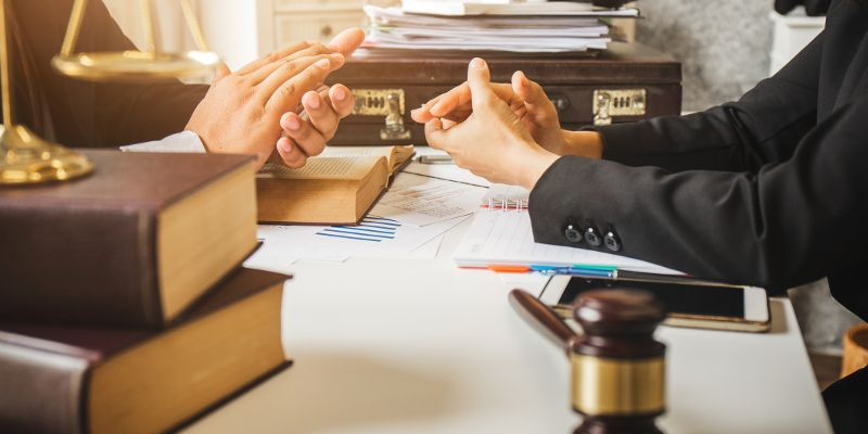 How to become an International Lawyer