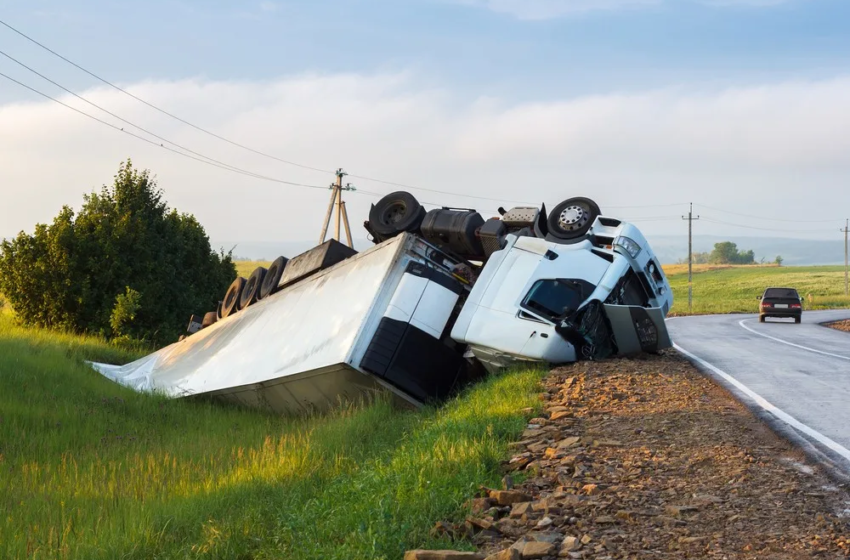 Why Is Hiring A Lawyer For An Injury Claim A Good Idea? How To Select A Law Firm For A Truck Accident Case?